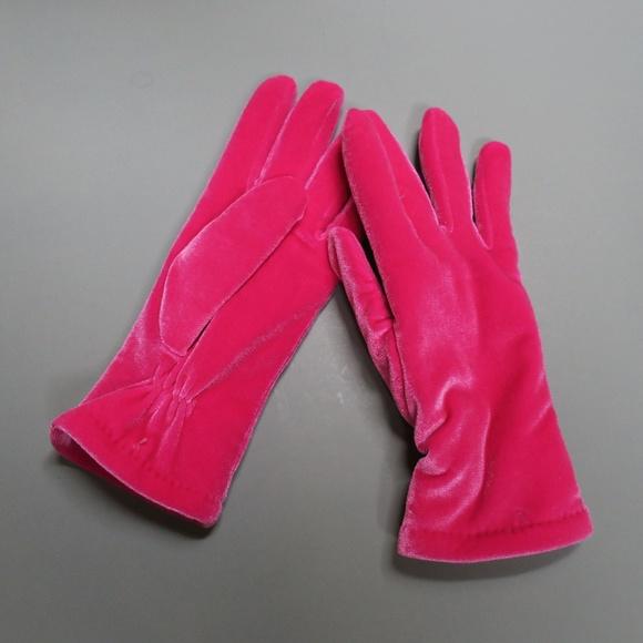 3M Thinsulate Accessories - Women s Hot Pink 3M 40 gram Thinsulate Gloves e7c9247f1c